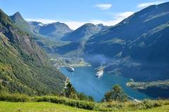 Motorcycle Tour: Fjords, Fjells and Glaciers - Motorcycle Paradise Norway