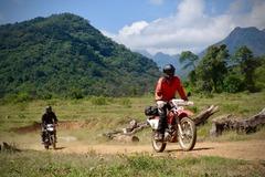 Motorcycle Tour: Sri Lanka with Dylan Wickrama